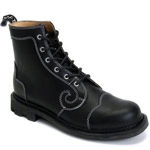Size 6 Fluevog Derby Swirl booties